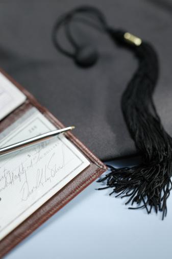 Graduation「Graduation tassel and checkbook」:スマホ壁紙(16)