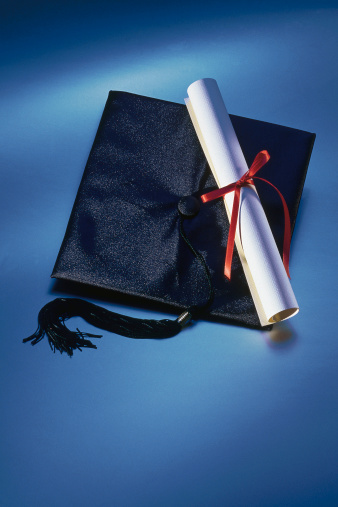 Graduation「Graduation cap and diploma」:スマホ壁紙(12)