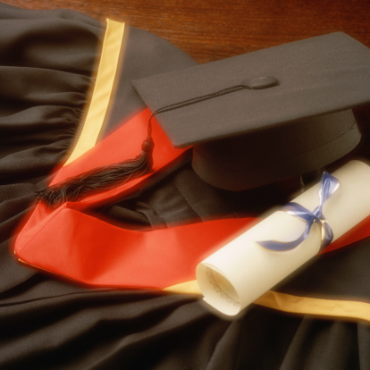 Graduation Gown「Graduation robes, cap and diploma」:スマホ壁紙(7)