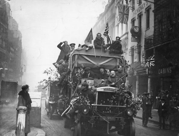 Celebration「Armistice Scene」:写真・画像(9)[壁紙.com]