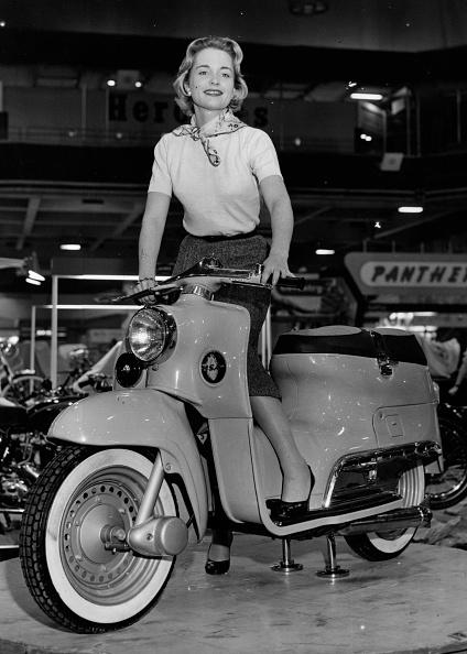 Earls Court「Motorbike Model」:写真・画像(13)[壁紙.com]