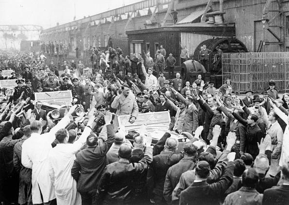 Siemens「Nazi Salute」:写真・画像(3)[壁紙.com]
