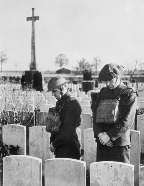 Grave「Moment Of Prayer」:写真・画像(11)[壁紙.com]
