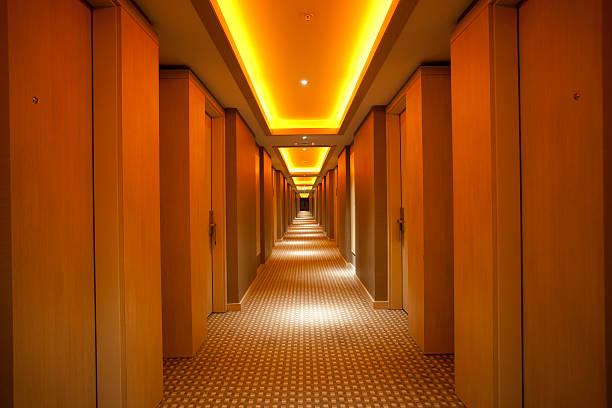 Dark Corridor XXXL:スマホ壁紙(壁紙.com)