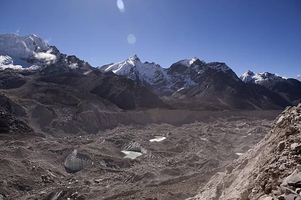 The Khumbu Glacier, Everest, Nepal:スマホ壁紙(壁紙.com)