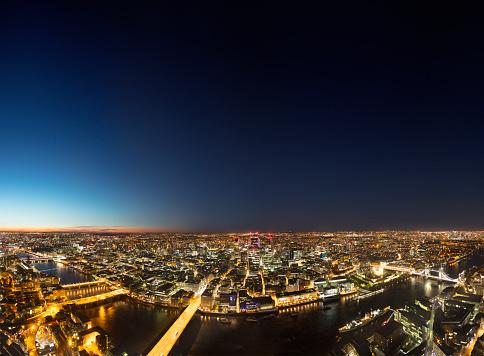 London Bridge - England「London Skyline City of London at Dusk」:スマホ壁紙(0)