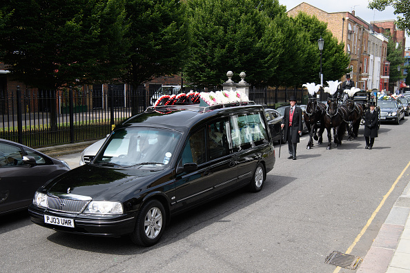 Leon Neal「Funeral Takes Place Of Grenfell Fire Victim Tony Disson」:写真・画像(4)[壁紙.com]