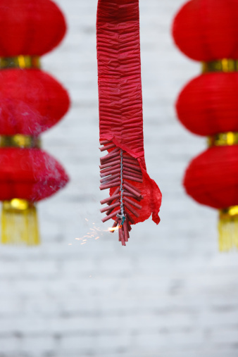 Chinese Lantern Festival「Burning firecrackers and red lanterns」:スマホ壁紙(5)