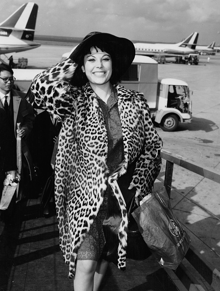Coat - Garment「Daniela Rocca」:写真・画像(2)[壁紙.com]