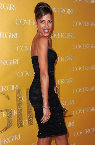Strapless Dress「Covergirl Cosmetics' 50th Anniversary Party - Arrivals」:写真・画像(0)[壁紙.com]
