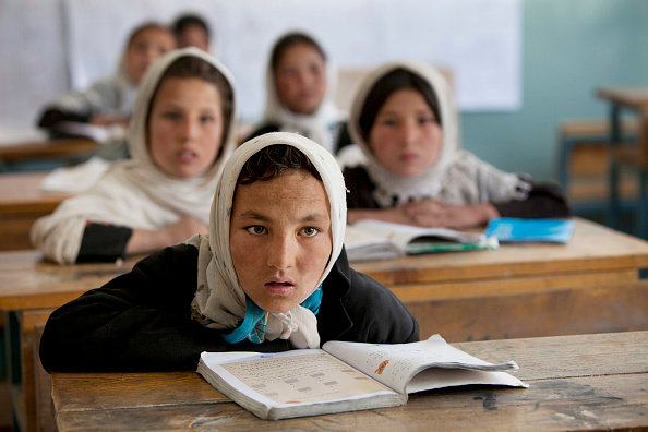 Paula Bronstein「Afghan Girls Receive Education in Bamiyan」:写真・画像(10)[壁紙.com]