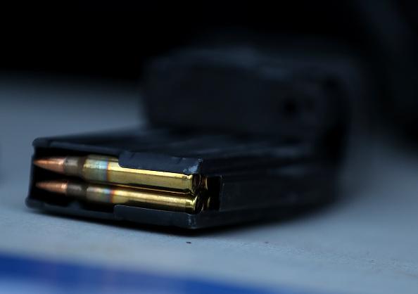Rifle「Gun Buy Back Program Held In San Francisco」:写真・画像(6)[壁紙.com]