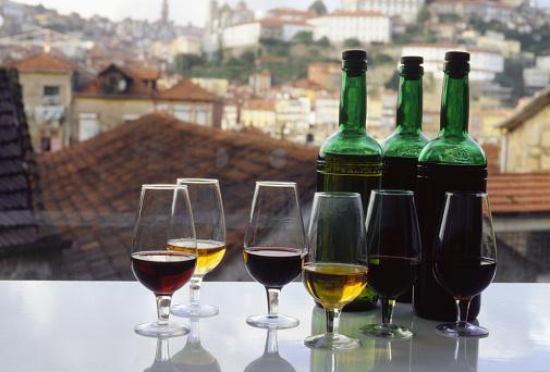 1990-1999「Bottles and Glasses of Port Wine」:スマホ壁紙(6)