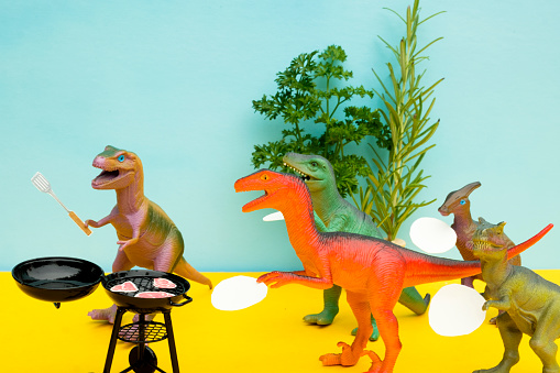 Party - Social Event「Fun Colourful Toy Dinosaurs Conceptual Scene - BBQ Meat Eaters」:スマホ壁紙(5)