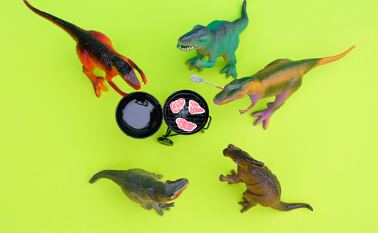 Party - Social Event「Fun Colourful Toy Dinosaurs Conceptual Scene - BBQ Meat Eaters」:スマホ壁紙(9)
