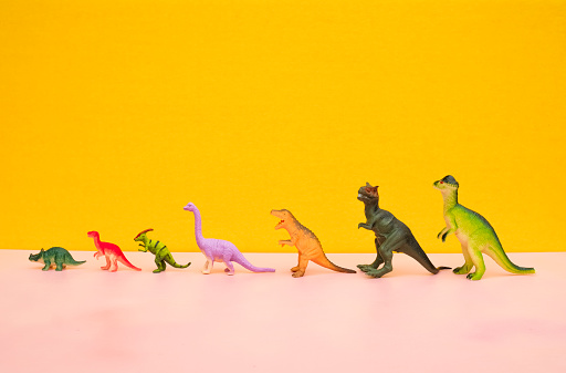 Extinct「Fun Colourful Toy Dinosaurs Conceptual Scene - Growth」:スマホ壁紙(17)