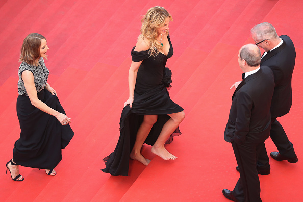 "Barefoot「""Money Monster"" - Red Carpet Arrivals - The 69th Annual Cannes Film Festival」:写真・画像(9)[壁紙.com]"
