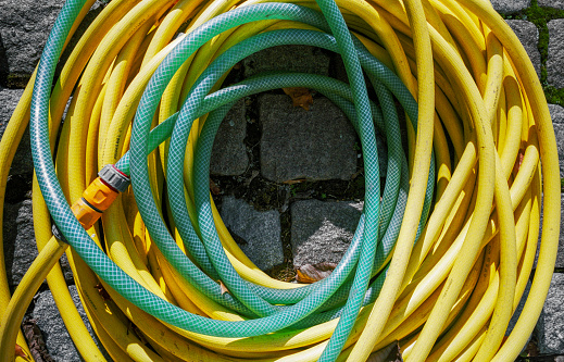 Garden Hose「Yellow and green water plastic hose」:スマホ壁紙(10)