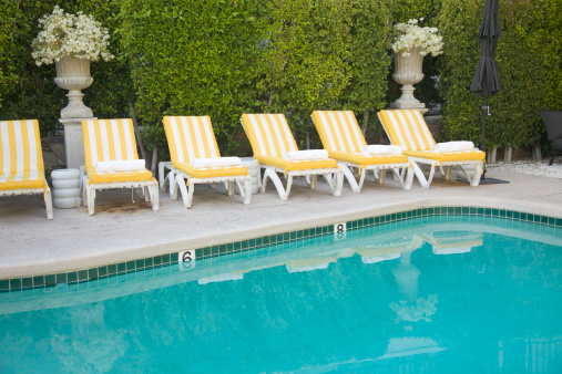 Resort Swimming Pool「Yellow and White Striped Pool Furniture, Leisure, Summer, Relaxation」:スマホ壁紙(17)