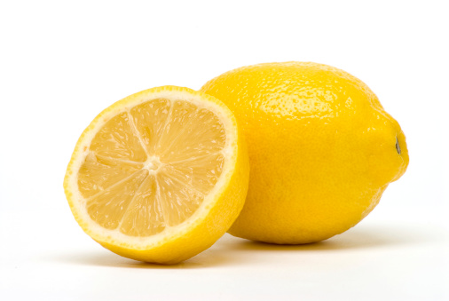 Two Objects「Arrangement of half lemon resting against a full lemon」:スマホ壁紙(8)