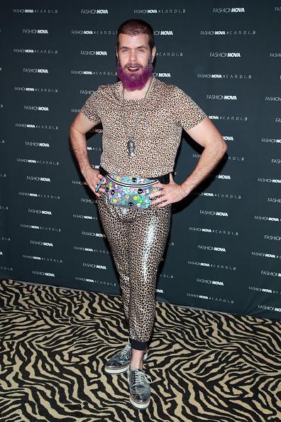 Maroon Lipstick「Fashion Nova x Cardi B Collection Launch Party - Arrivals」:写真・画像(6)[壁紙.com]