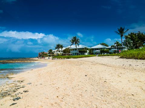ケイマン諸島「Caribbean, Cayman Islands, George Town, Luxury villas at Seven Mile Beach」:スマホ壁紙(5)