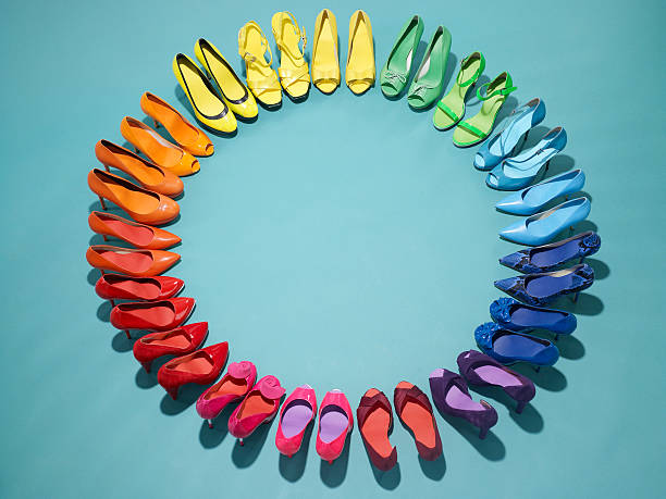 Colorful shoes form a color wheel:スマホ壁紙(壁紙.com)