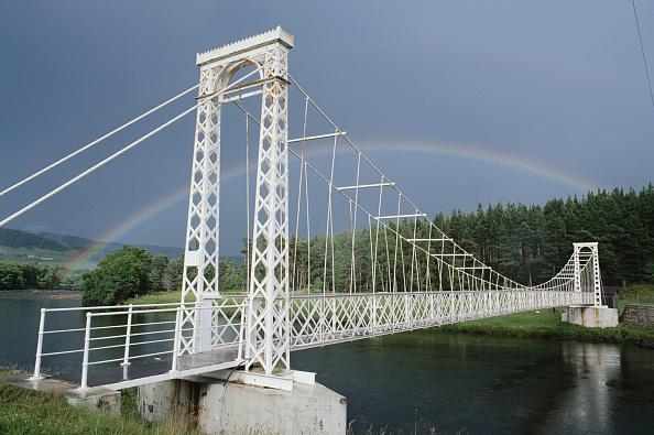Suspension Bridge「Bridge And Rainbow」:写真・画像(1)[壁紙.com]