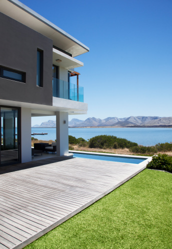 South Africa「View of lake from modern house」:スマホ壁紙(15)