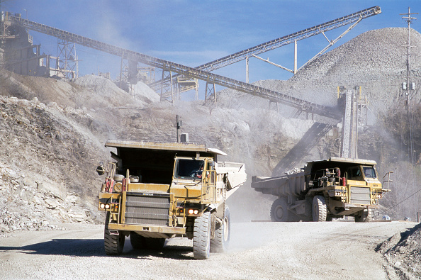 Sand「Sand and gravel extraction, Quarry, Indiana, USA」:写真・画像(16)[壁紙.com]