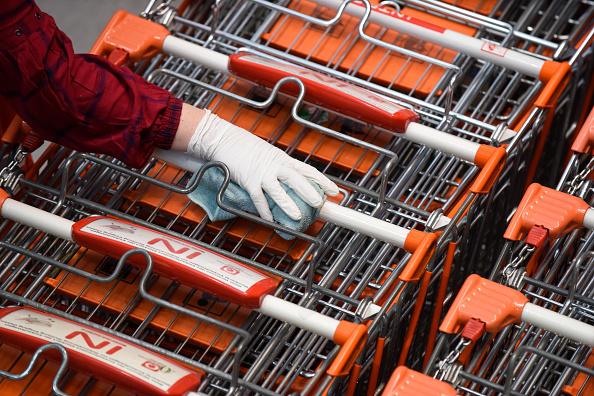 Vienna - Austria「Austria Requires Supermarket Shoppers To Wear Protective Masks」:写真・画像(17)[壁紙.com]