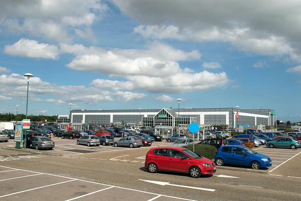 Outdoors「ASDA supermarket car park, Great Yarmouth, United Kingdom」:写真・画像(16)[壁紙.com]