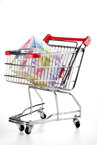 Shopping Cart「House of Euro notes in shopping trolley」:スマホ壁紙(10)