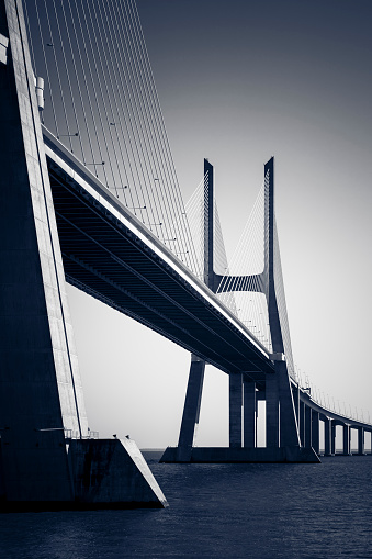Elevated Road「vasco da Gama contemporary architecture cable-stayed bridge, lisbon, portugal」:スマホ壁紙(6)
