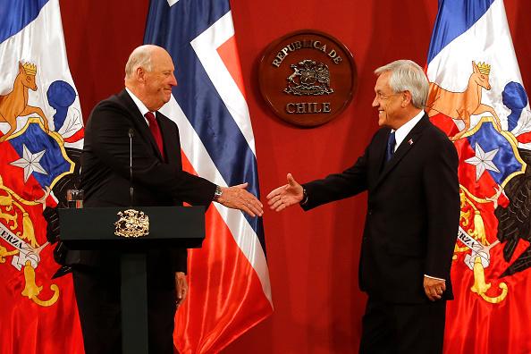 Sebastián Piñera「Norwegian King Harald V and Queen Sonja Visit Chile - Day 2」:写真・画像(13)[壁紙.com]