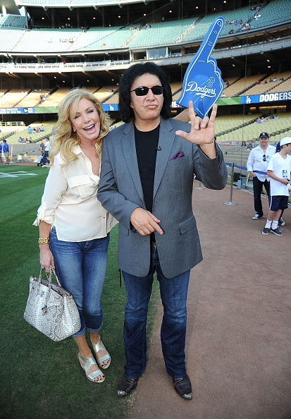 Frazer Harrison「Gene Simmons Throws Out The First Pitch at the Dodgers Game」:写真・画像(7)[壁紙.com]