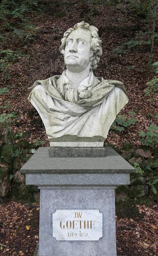 Bust - Sculpture「Czechia, Karlovy Vary, bust of German poet Johann Wolfgang von Goethe made by Adolf von Donndorf」:スマホ壁紙(11)