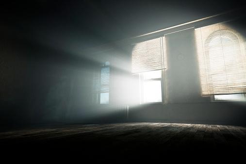 Fairy tale「Spooky empty room with mysterious light beams」:スマホ壁紙(18)