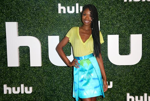 V-Neck「Hulu 2015 Summer TCA Presentation」:写真・画像(6)[壁紙.com]