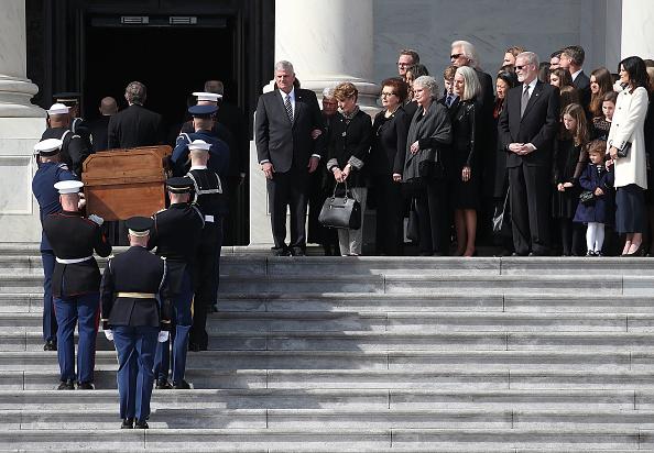 Preacher「Rev. Billy Graham Lies In Repose In U.S. Capitol Rotunda」:写真・画像(16)[壁紙.com]