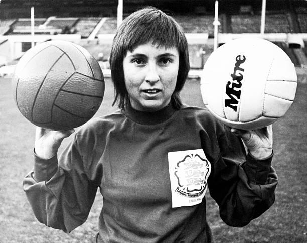 Female Goalkeeper:ニュース(壁紙.com)