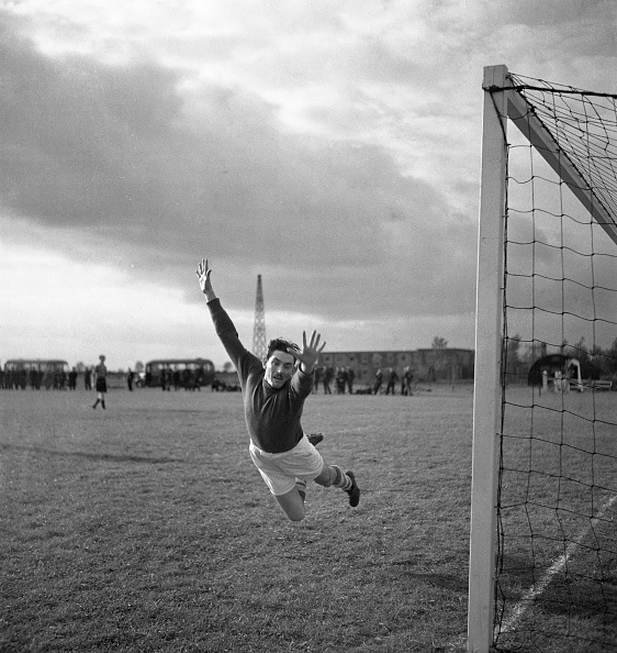 Social History「RAF Football Game」:写真・画像(3)[壁紙.com]