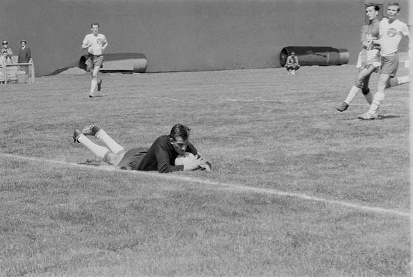 William Lovelace「Soccer, 1961」:写真・画像(7)[壁紙.com]