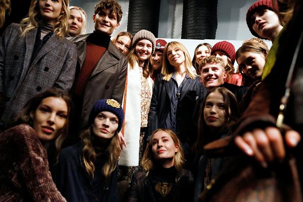Tristan Fewings「Trussardi - Backstage - Milan Fashion Week Fall/Winter 2017/18」:写真・画像(18)[壁紙.com]