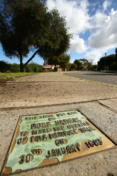 Footpath「Rolf Harris' Hometown Reacts Strongly To Guilty Verdict」:写真・画像(18)[壁紙.com]
