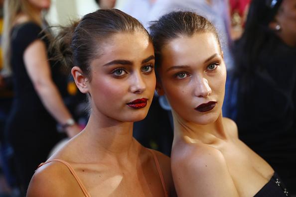 Atelier - Fashion「Atelier Versace : Backstage - Paris Fashion Week - Haute Couture Fall/Winter 2016-2017」:写真・画像(1)[壁紙.com]