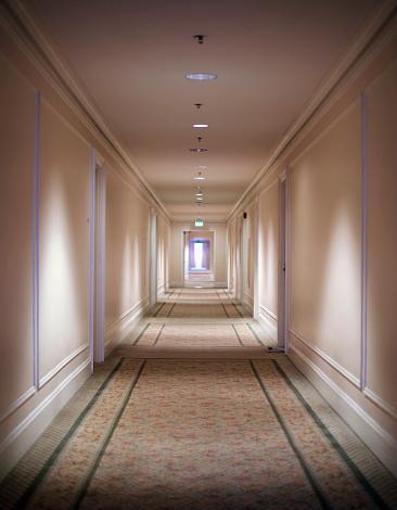 Hotel「Empty Hotel Hallway」:スマホ壁紙(4)