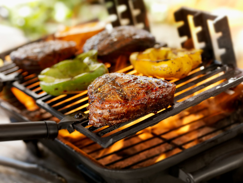 Barbecue Grill「Steaks on a Outdoor BBQ」:スマホ壁紙(7)