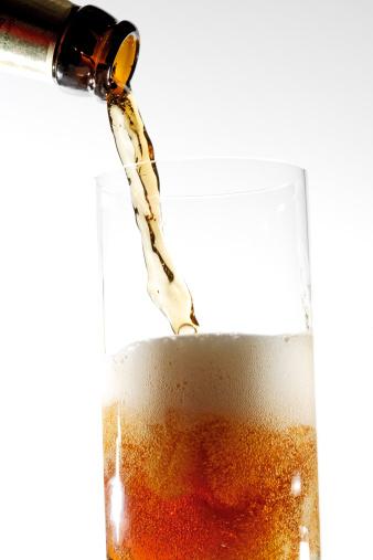 Drinking「Top-fermented German dark beer, alt beer」:スマホ壁紙(0)