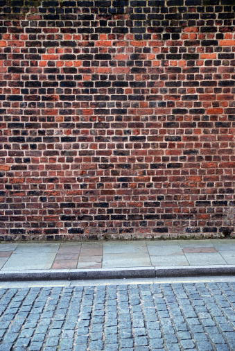 Brick Wall「Urban background UK - Red brick wall with sidewalk」:スマホ壁紙(16)
